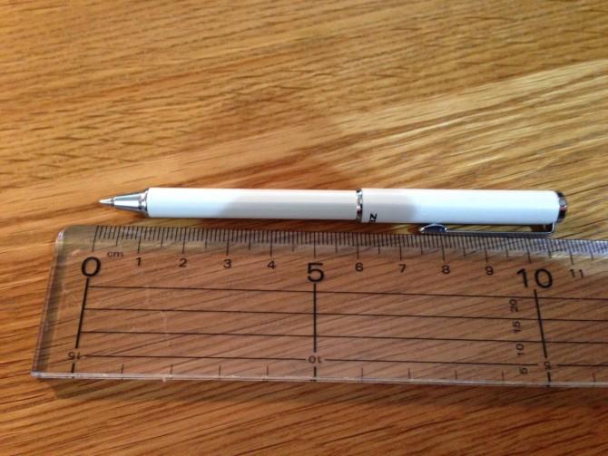 ミニボールペン(伸ばした状態)