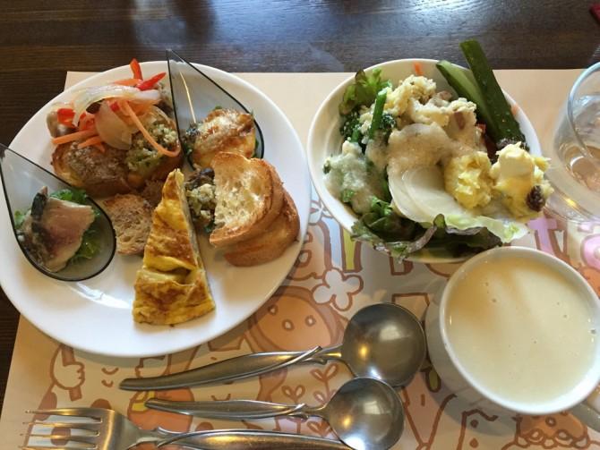 ロザリエッタ/パスタとピッツァのシェアセット/前菜・地物野菜のサラダとスープ