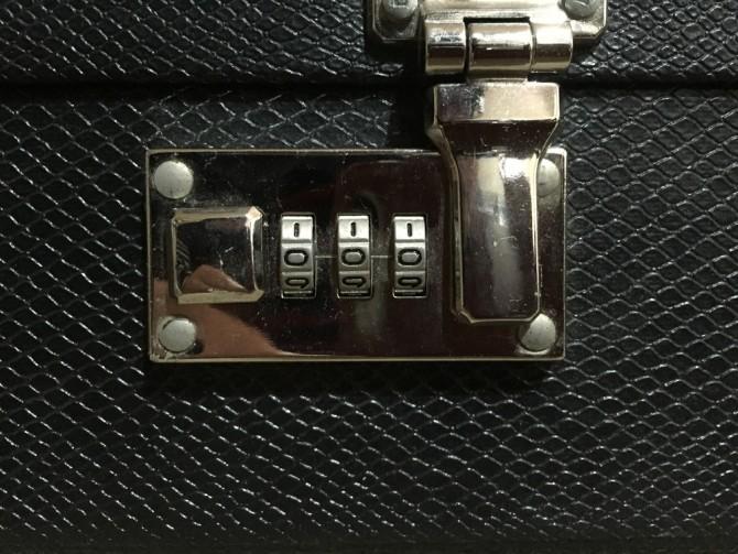 GIBSONギターケースのロック