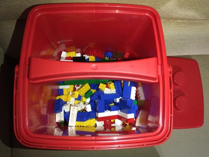 レゴ(赤いバケツ)/バケツの中身