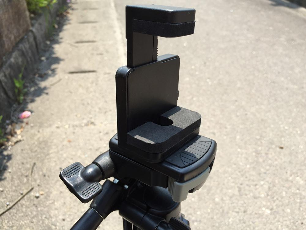 SLIK 三脚 U7700/スマートフォンアダプターを装着完了