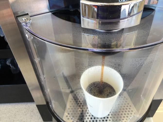 セブンカフェ/ホットコーヒーを淹れる