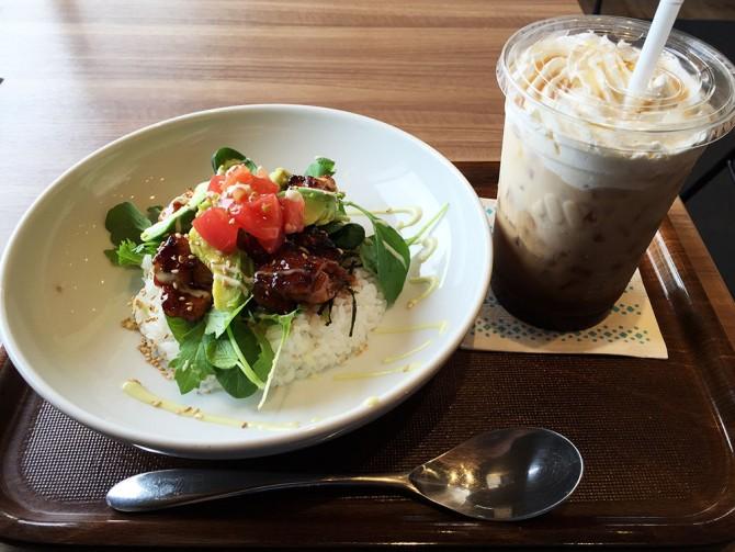 モスカフェ/チキンとアボカドのごはんのカフェドリンクセット