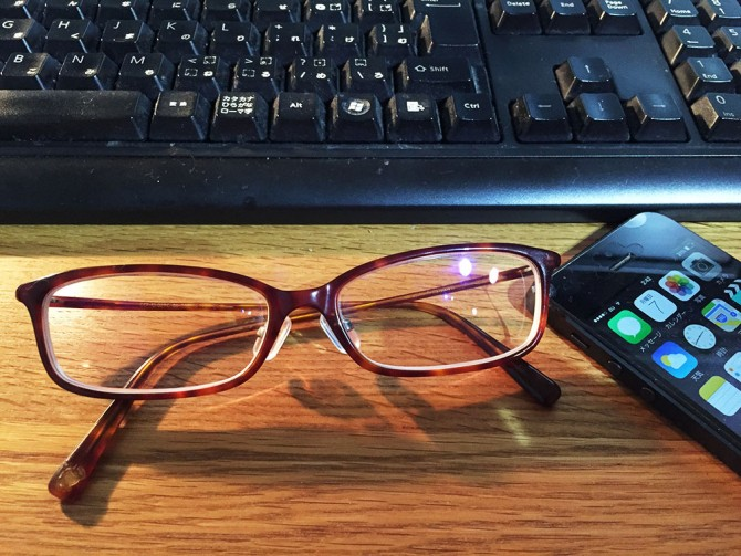 JINS PCのブルーライトカットメガネ