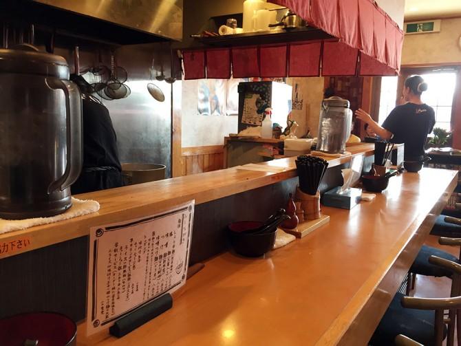 麺屋 和/店内 カウンター席