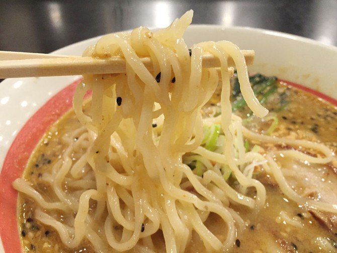 幸楽苑/ごま味噌チャーシューめんの麵