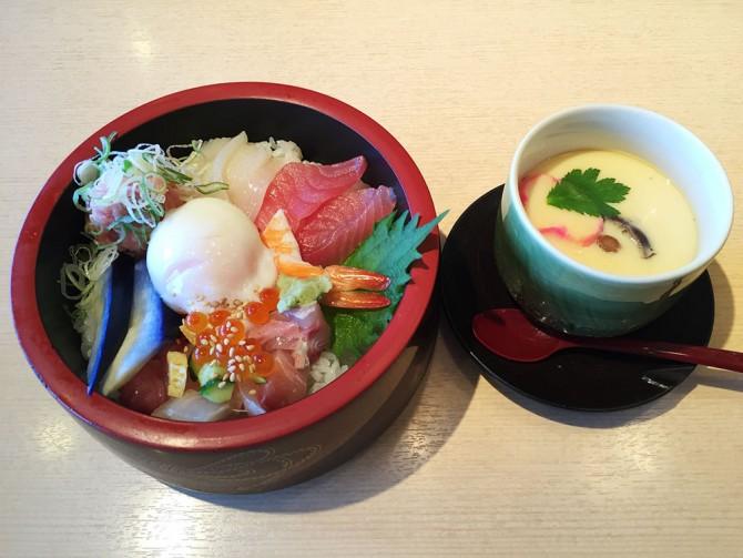 にぎりの徳兵衛/ランチ(賑わい海鮮丼+茶碗蒸し)