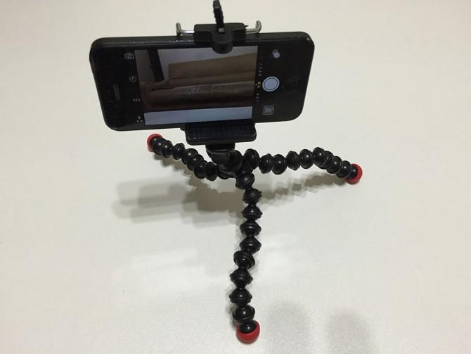ニトリのローテーブルで撮影(iPhone用三脚)