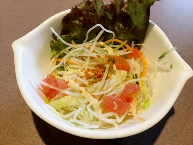 びっくりドンキー/レギュラーバーグステーキセットのサラダ