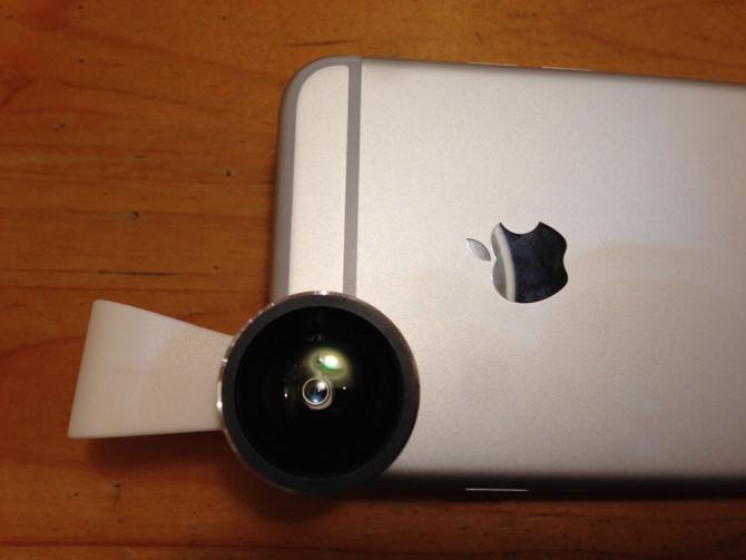 Mpow Clip-On レンズ/スマホレンズをiPhoneに装着完了