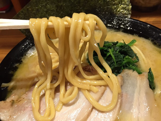 池田家/ラーメンの麵