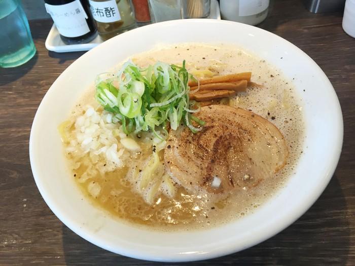 赤橙/鶏塩白湯らーめん