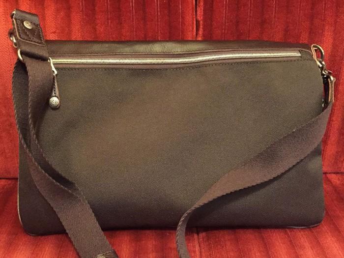 DOUBLESのショルダーバッグ『JHF-1677』