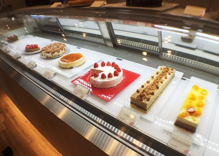 たんどーる/カフェのケーキのショーケース