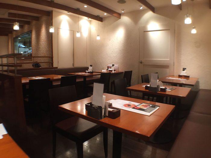 札幌カリー ヨシミ(名古屋パルコ店)/テーブル席