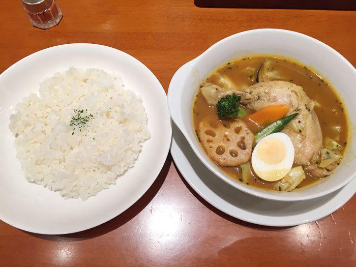 札幌カリー ヨシミ(名古屋パルコ店)/やわらかチキンと野菜のカリー