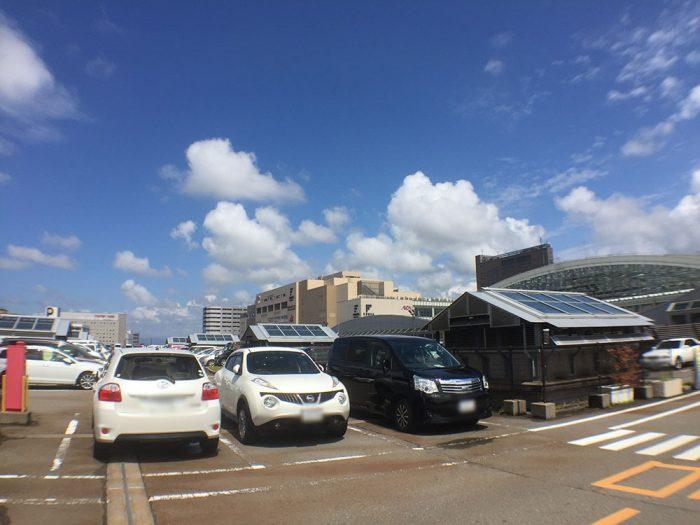 タイムズ金沢駅屋上
