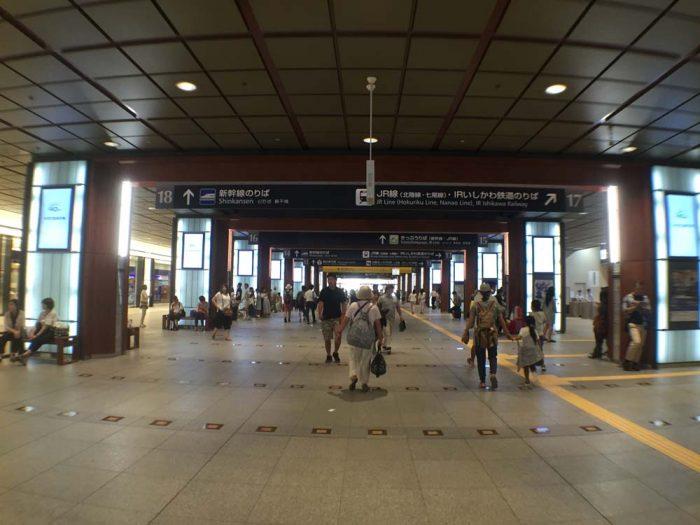 金沢駅の構内