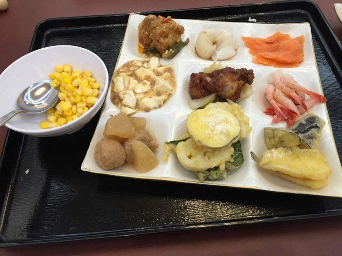 リブマックスリゾート加賀山代の夕食バイキング