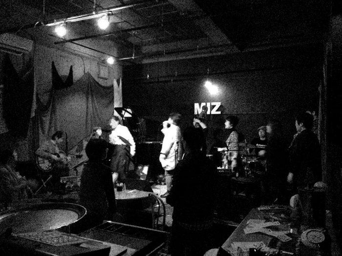 MIZ(可児市ジャズライブハウス)でのジャズインストセッションライブの様子