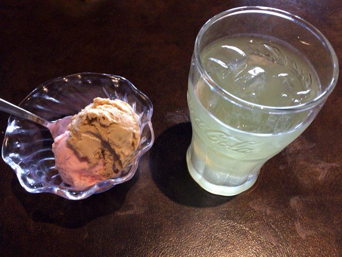 あさくま(可児店)/アイスクリームと八女グリーンティー