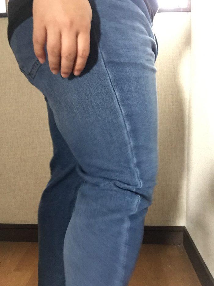 ジョガースリムフィットジーンズを履いてみた(横から)