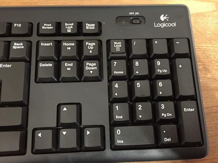 LOGICOOLのワイヤレスキーボード