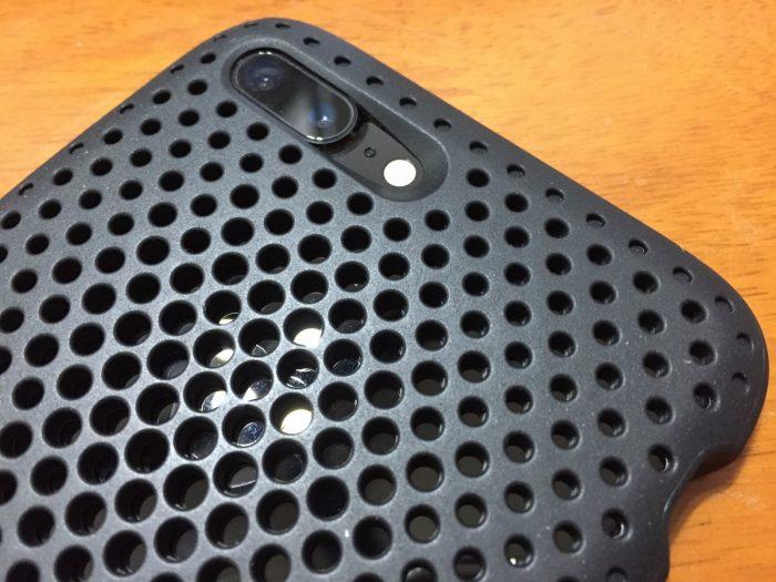 iPhoneのメッシュケース