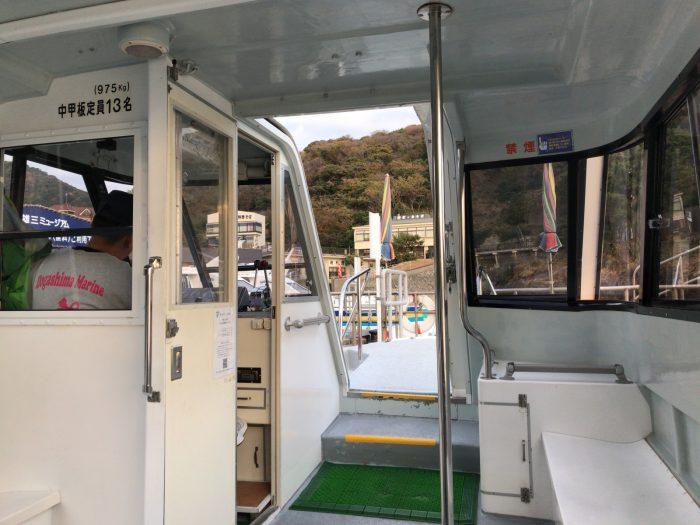 遊覧船の船内 堂ヶ島マリン