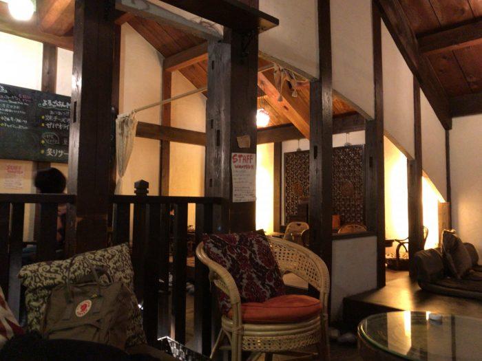 バリ島のような雰囲気の店内|Natural Cafe&Gallery 蔵