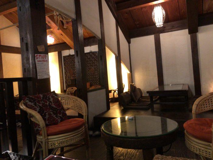 照明をやや落とした店内|Natural Cafe&Gallery 蔵