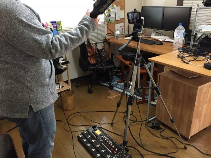 ギター弾いてみた動画の撮影風景