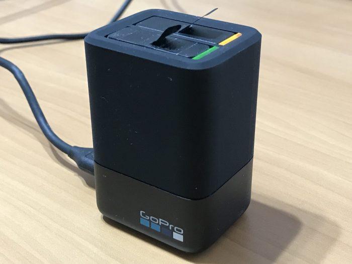 GoPro用充電器「デュアルバッテリーチャージャー」