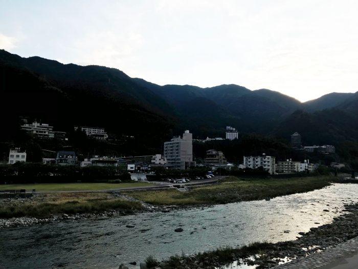 下呂温泉街を流れる飛騨川